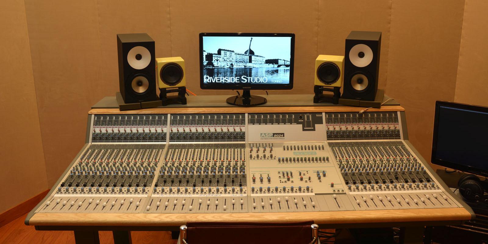 Riverside studio studio di registrazione torino - Studio di registrazione casalingo ...