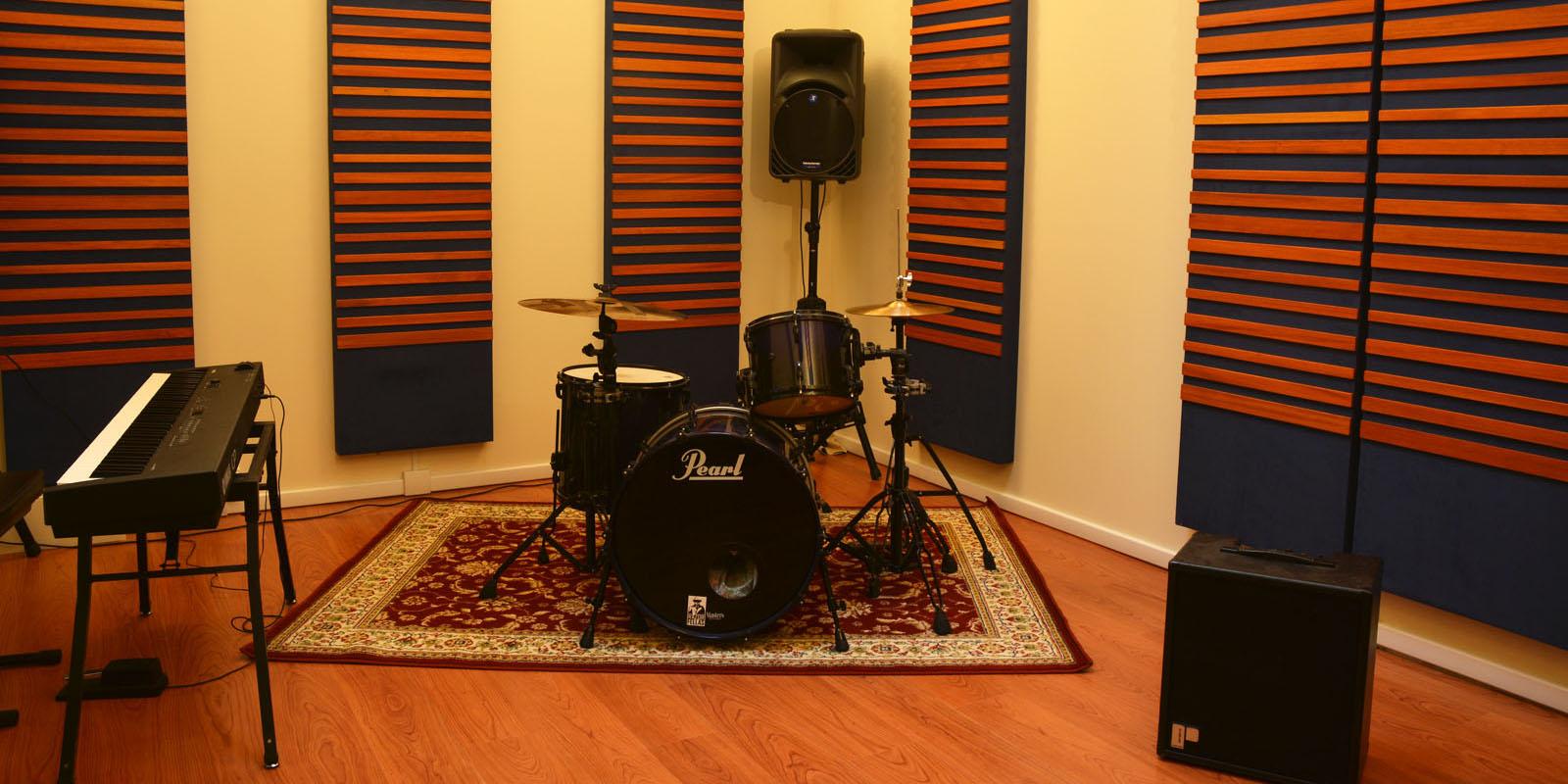 Riverside studio studio di registrazione torino - Studio di registrazione in casa ...